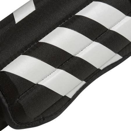Ochraniacze piłkarskie adidas Evertomic czarno białe CW5565